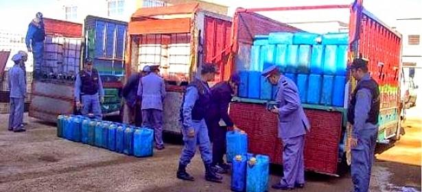 الجزائر تضع مخططا أمنيا مشددا لمكافحة أنشطة تهريب الوقود نحو المغرب وتونس