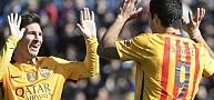 برشلونة يعبر ليفانتي وينفرد بالصدارة في مئوية سعيدة لإنريكي