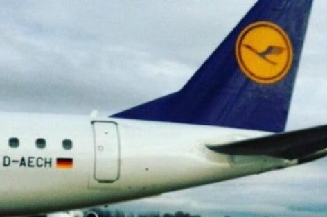 """هلع ركاب طائرة تابعة لشركة """"لوفتهانزا"""" الألمانية تحمل رقم تسجيل """"د-اعش"""""""